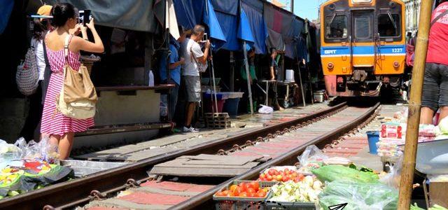 El mercado del tren en Mae Klong
