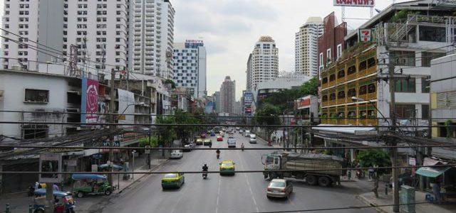 Bangkok: cómo llegar y dónde dormir